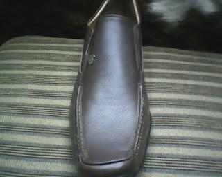 sepatu versance dari kanan