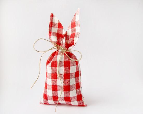 красный мешок, red burlap bag