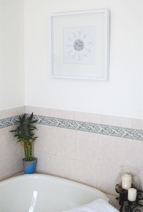bling bathroom art