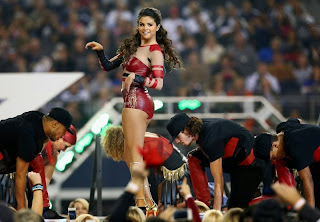 Selena Gomez   Perform at an NFL game 7.jpg