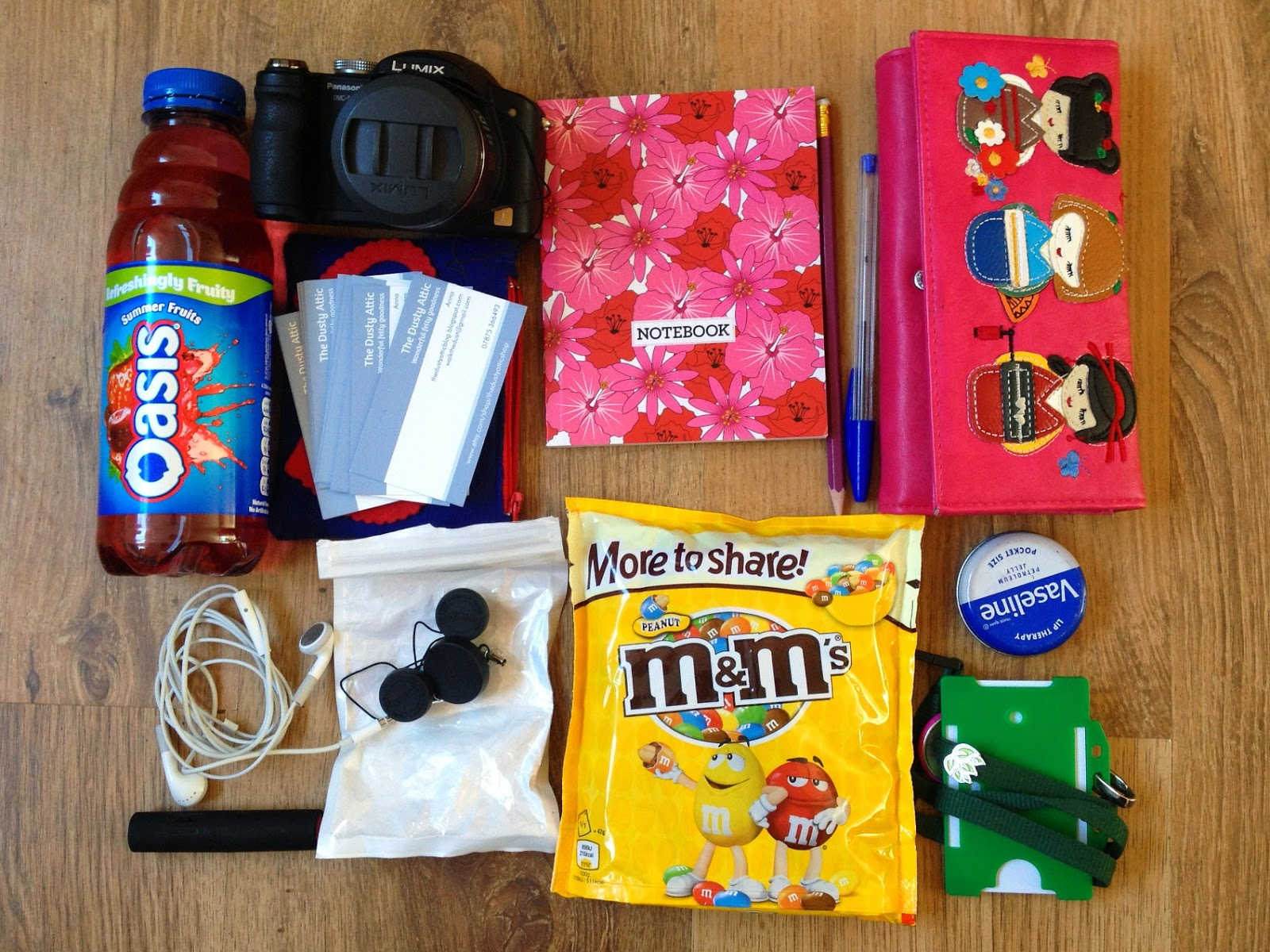 woolfest survival kit - or - what's in my bag for woolfest
