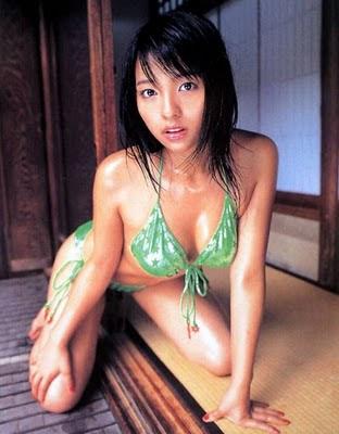 japanese-bikini-models-gallery-sexy-hot-tight-bun-hairstyle