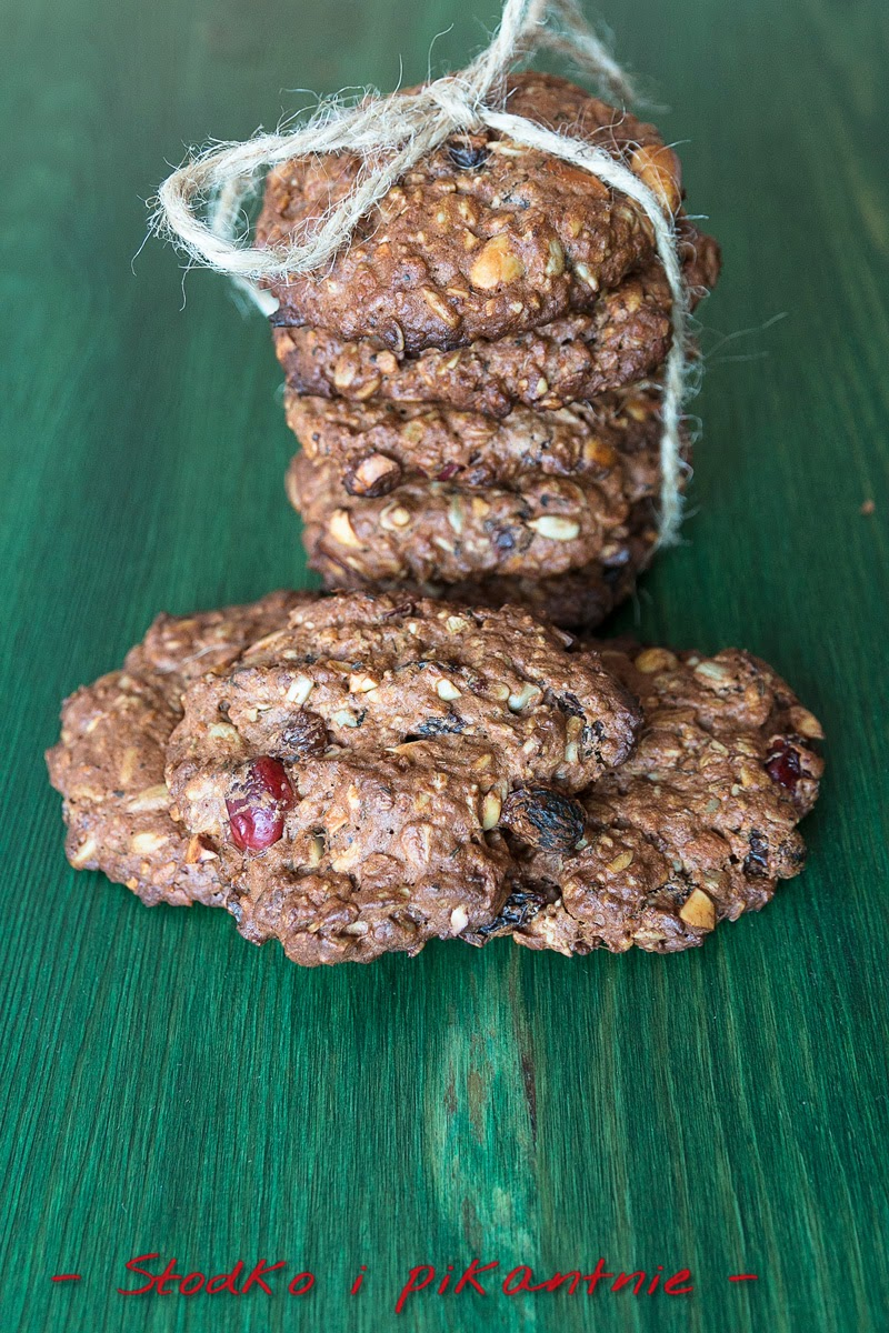 Kakaowe ciasteczka bakaliowe