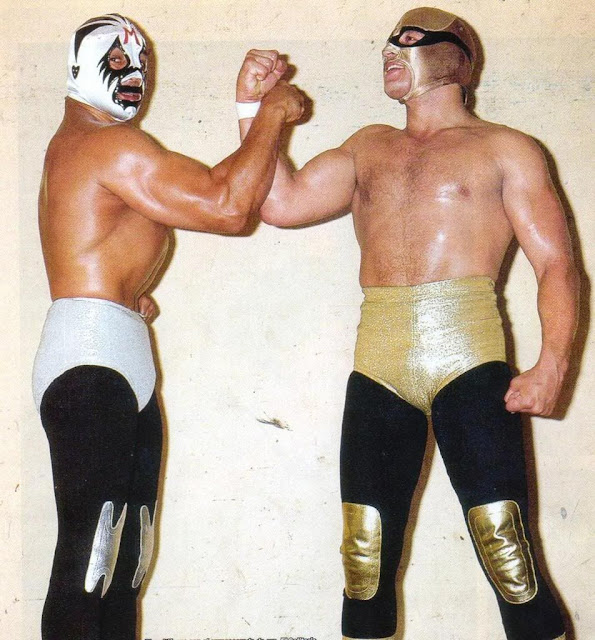 Mil Máscaras and El Solitario-Lucha Libre