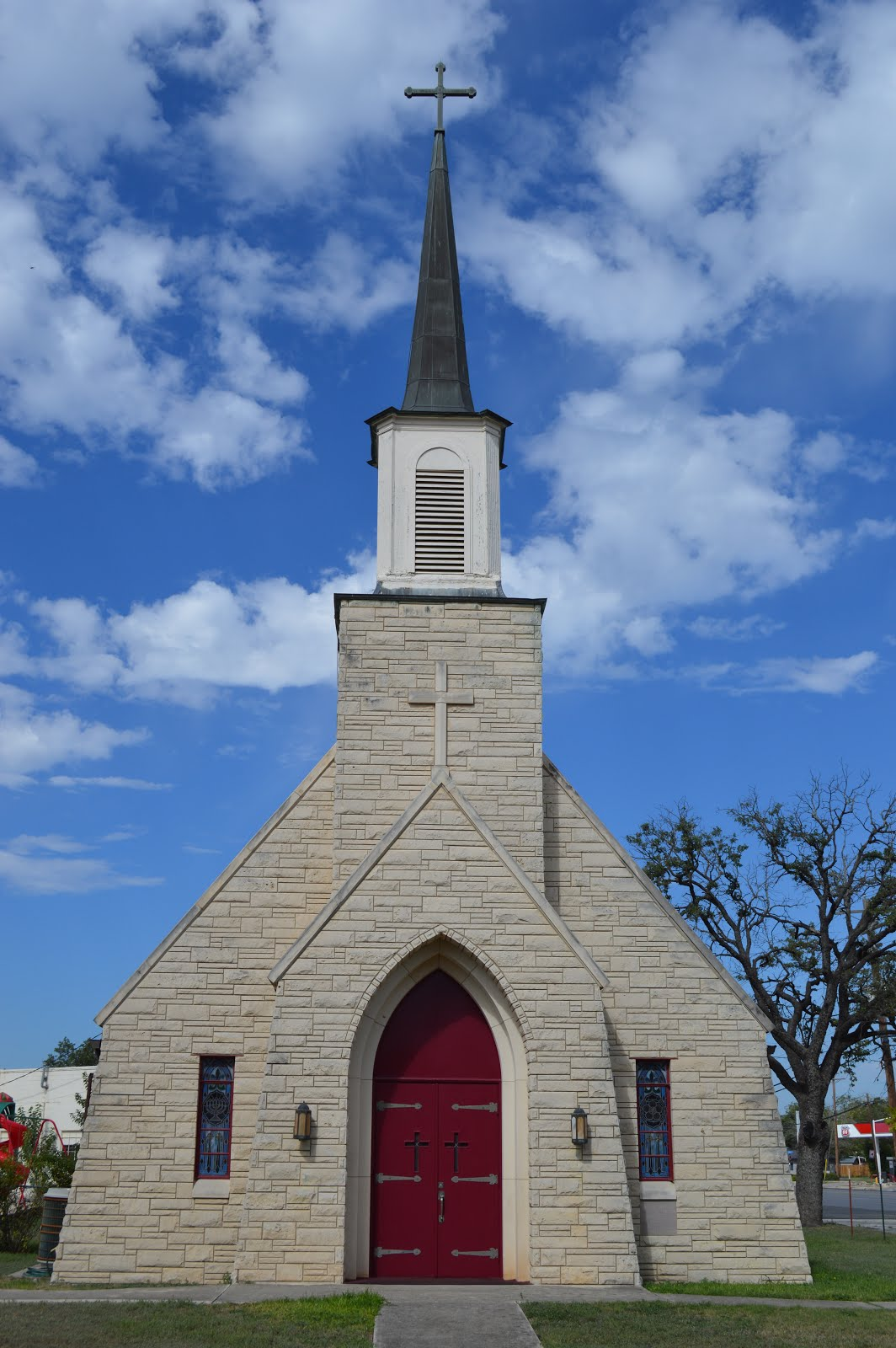 Holy Cross Lutheran Church