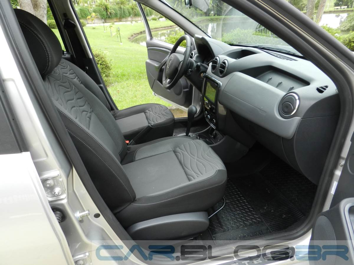 renault duster 2014 autom tico fotos consumo e pre o car blog br. Black Bedroom Furniture Sets. Home Design Ideas