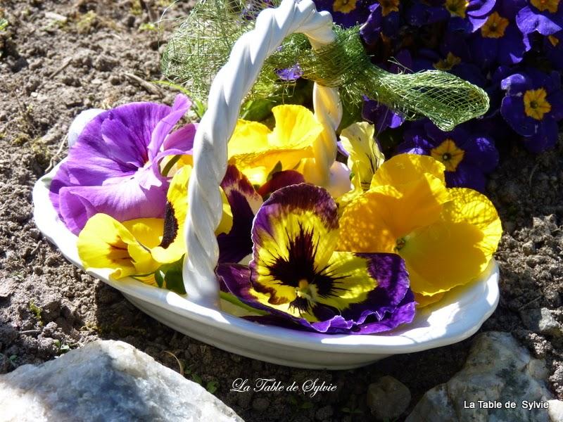La table de sylvie mes pens es se prom nent dans le jardin - Les jardins de la lagune oualidia sylvie ...