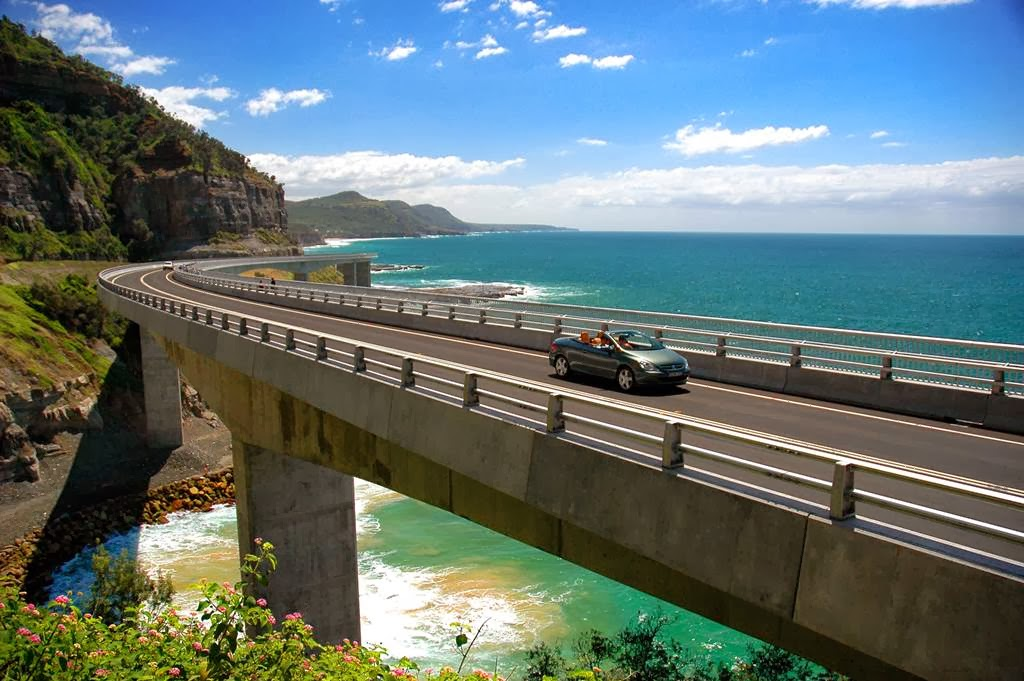 Wollongong Australia  City pictures : Elevated Highway Wollongong Australia