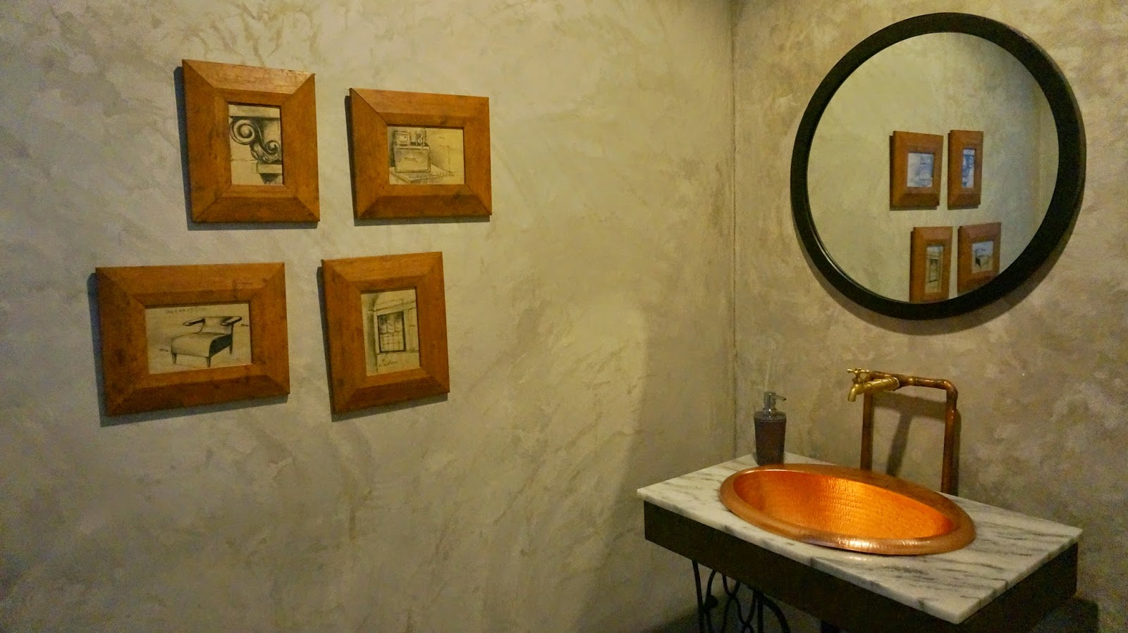 Historica Coffee & Pastry Toilet