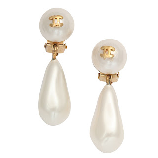 Vintage 1990's Chanel pearl drop earrings.