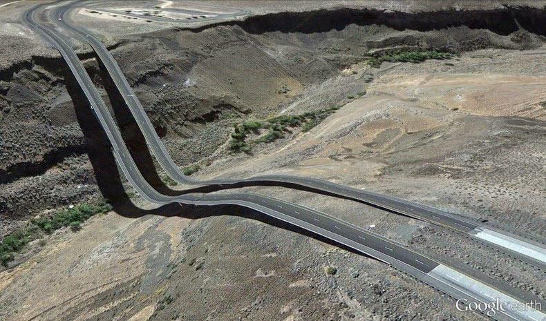 El mundo surrealista de Google Earth por Clemente Valla