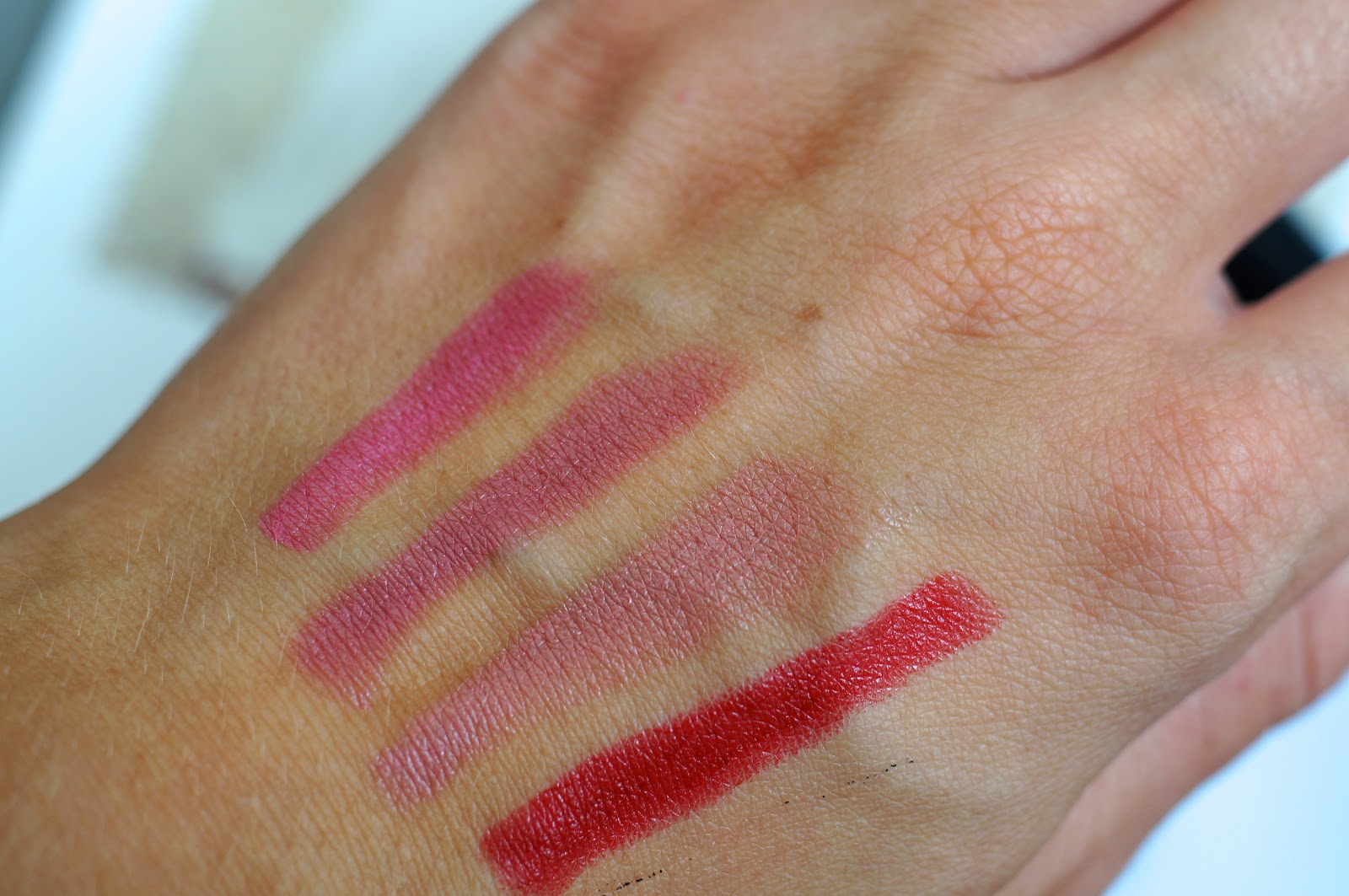 kate moss lipstick swatch