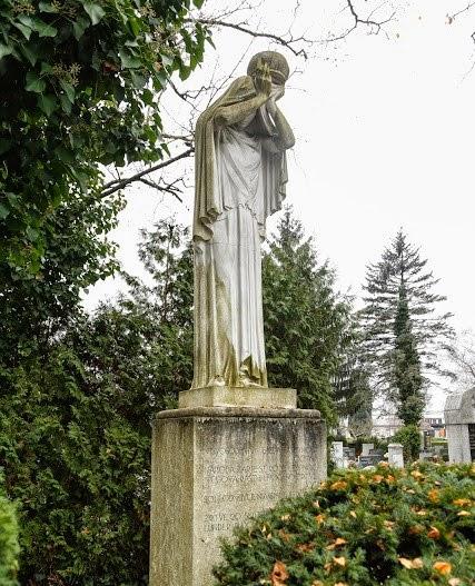 Spomenik septembrskim žrtvam