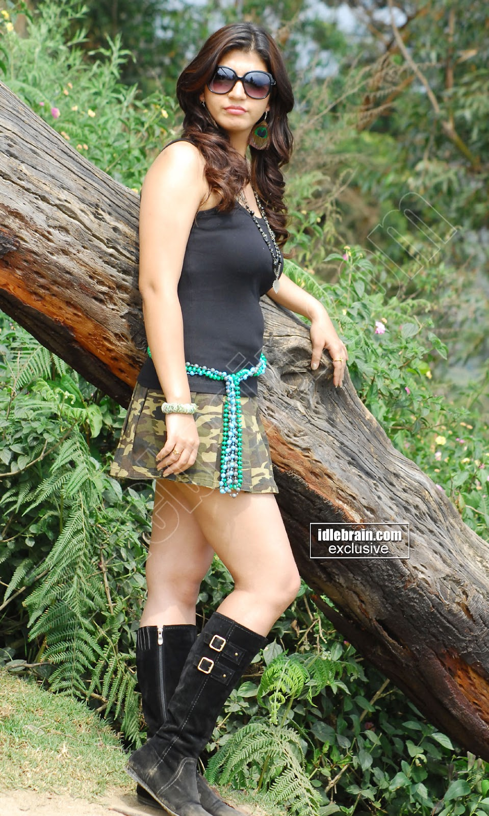 , Sarah Sharma Hot Pics In Army Short Skirt!!!
