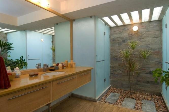 Baño Con Jardin Interior:Decoration, cocinas, cocinas integrales: Hermosa Casa Chic de la Firma