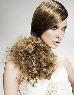 Moderne stilvolle wellige Frisuren 2012/2013
