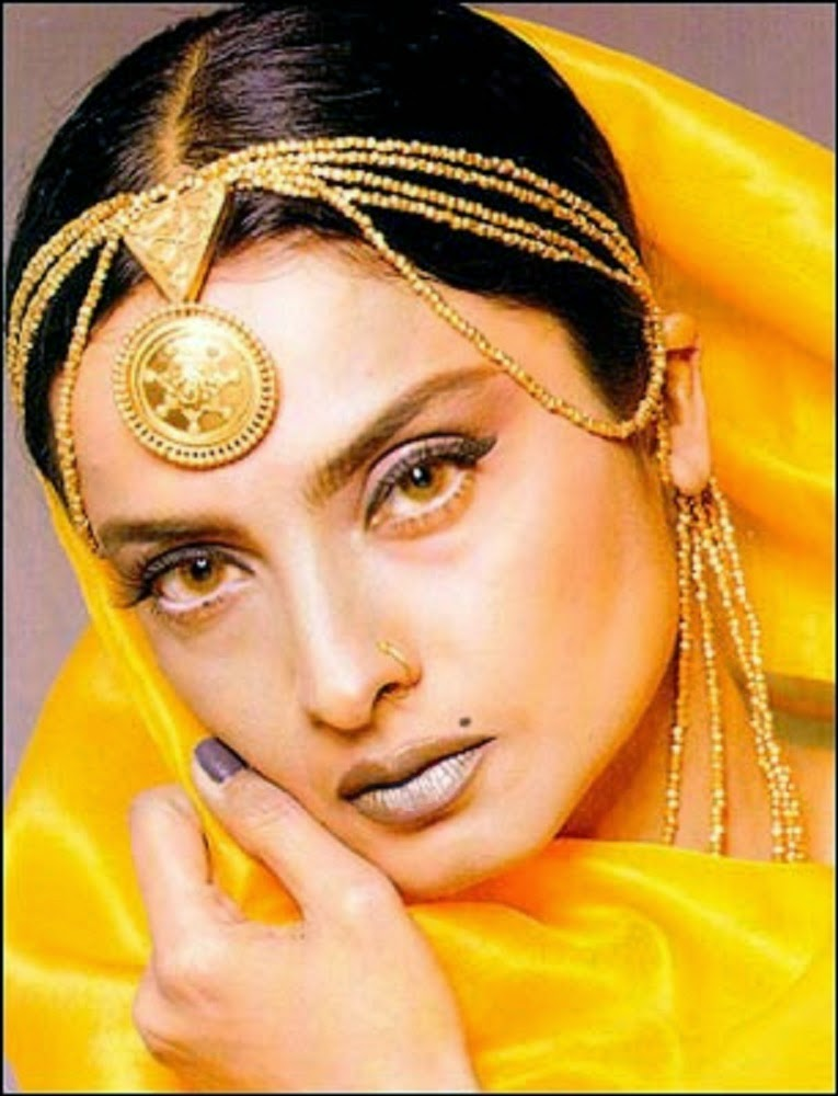Are Rekha old bollywood actress share