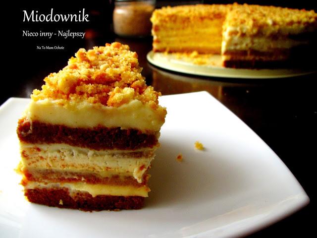 Ciasto Miodowe z Kremami: Śmietankowym i Budyniowym