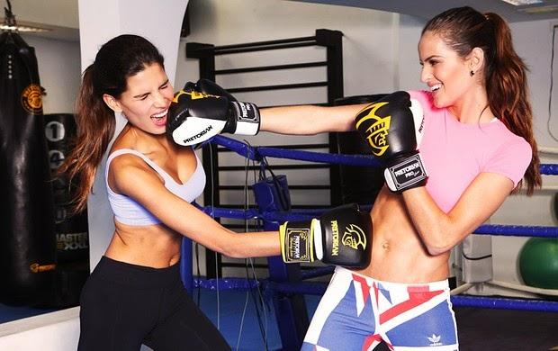 Izabel Goulart kickboxing activities photo