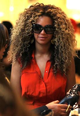 >Beyonce cachez moi cette chevelure