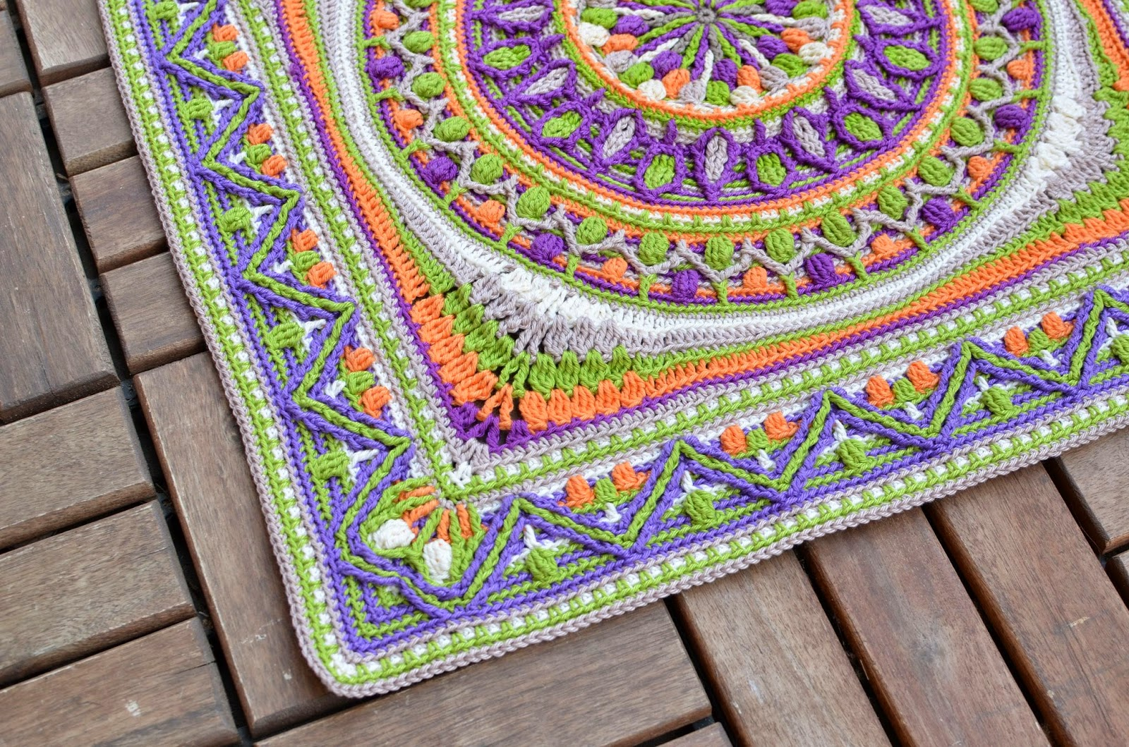 Large crochet squares or second life of dandelion mandala large crochet motifs can become nice pillow covers dt1010fo