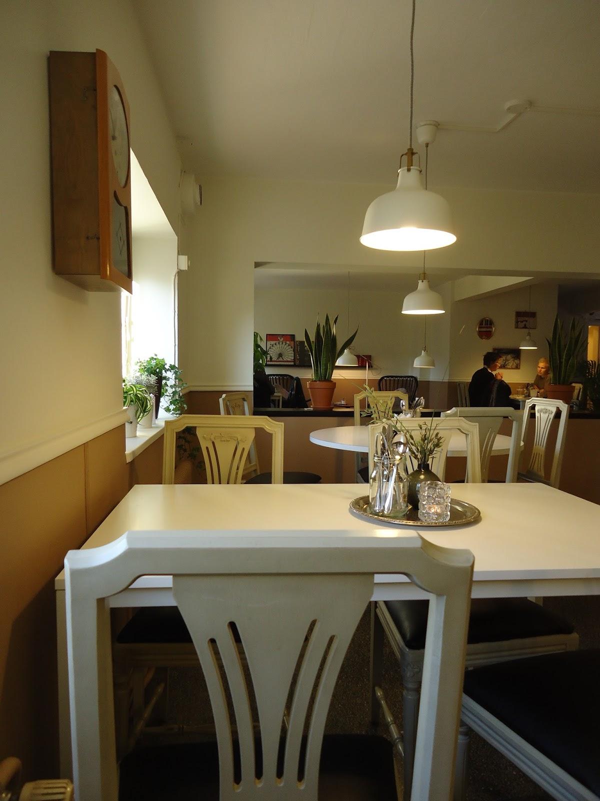 Ladan: iwa   caféet som man minns