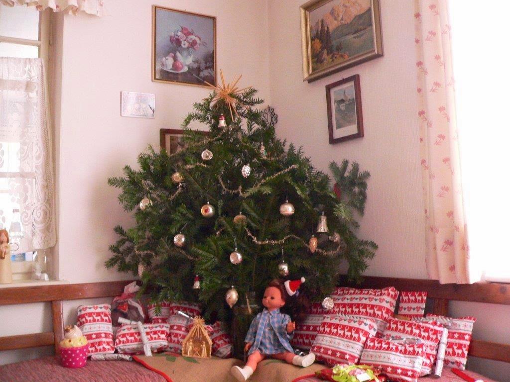 Strauß Weihnachten Winter Kugeln Deko Geschenke