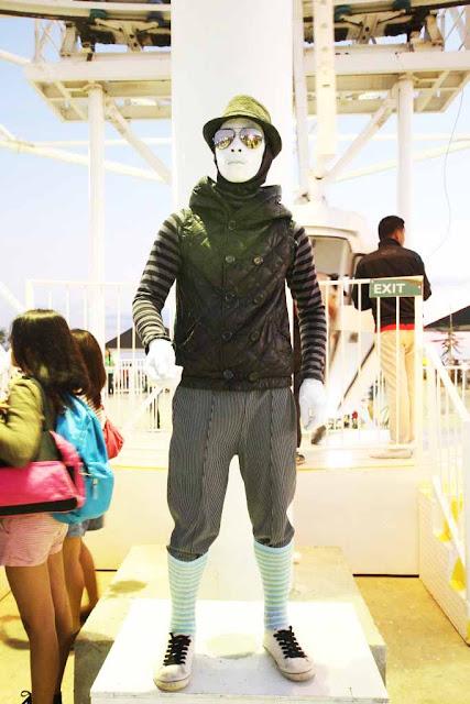 Mime at Sky Fun Amusement Park at Sky Ranch Tagaytay