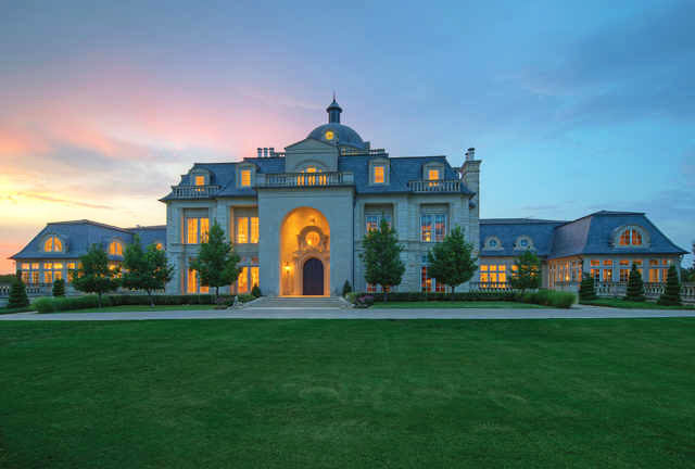 Champ D Or Mansion An Opulent Estate In Hickory Creek