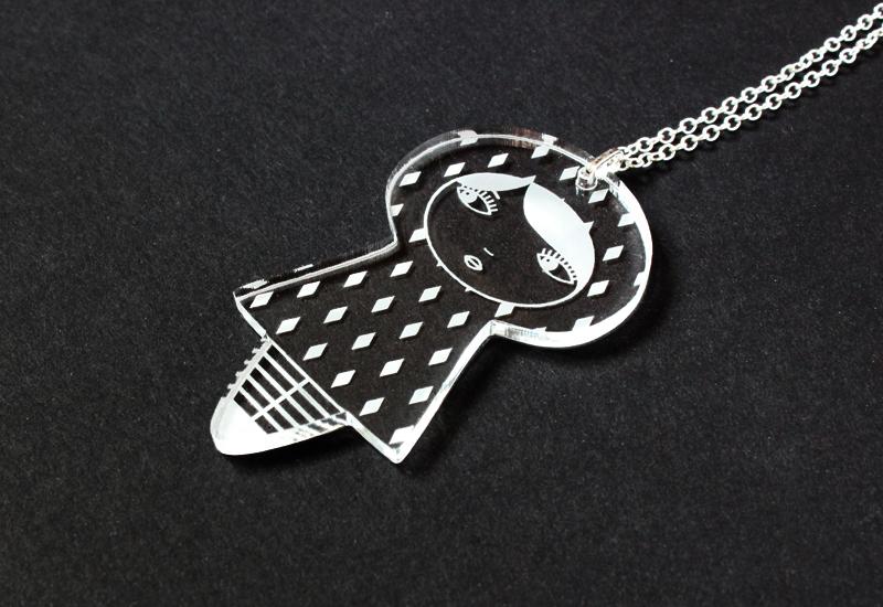 http://www.lesfollesmarquises.com/product/pendentif-acrylique-poupee-losanges