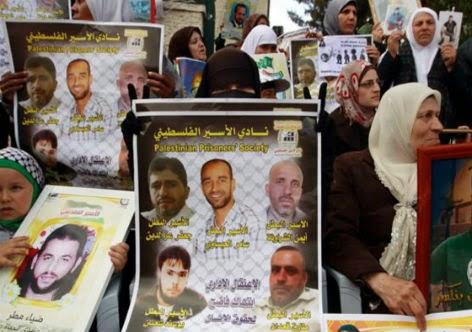 Mães palestinas pedem a libertação de seus filhos