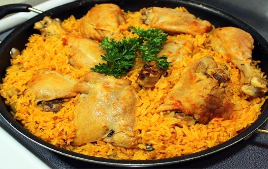 arroz guisado con pollo