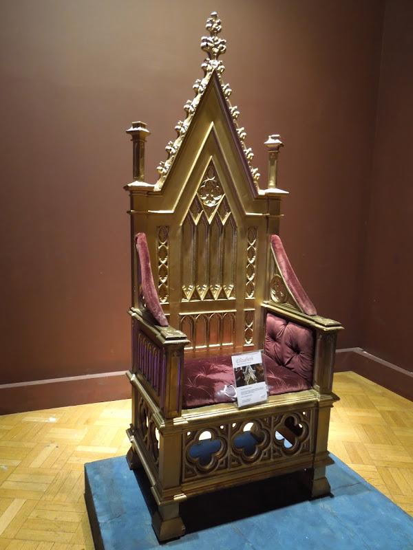 Gold throne Elizabeth movie prop