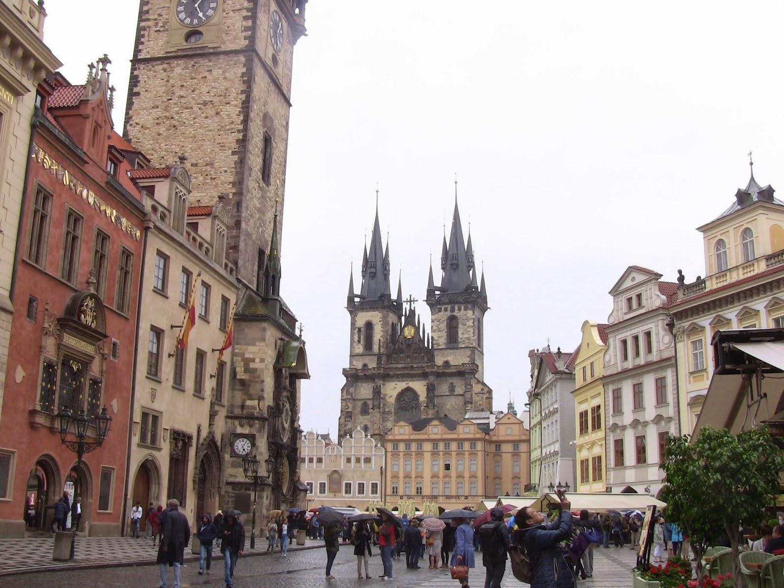 Aujourd'hui, Prague sous la pluie