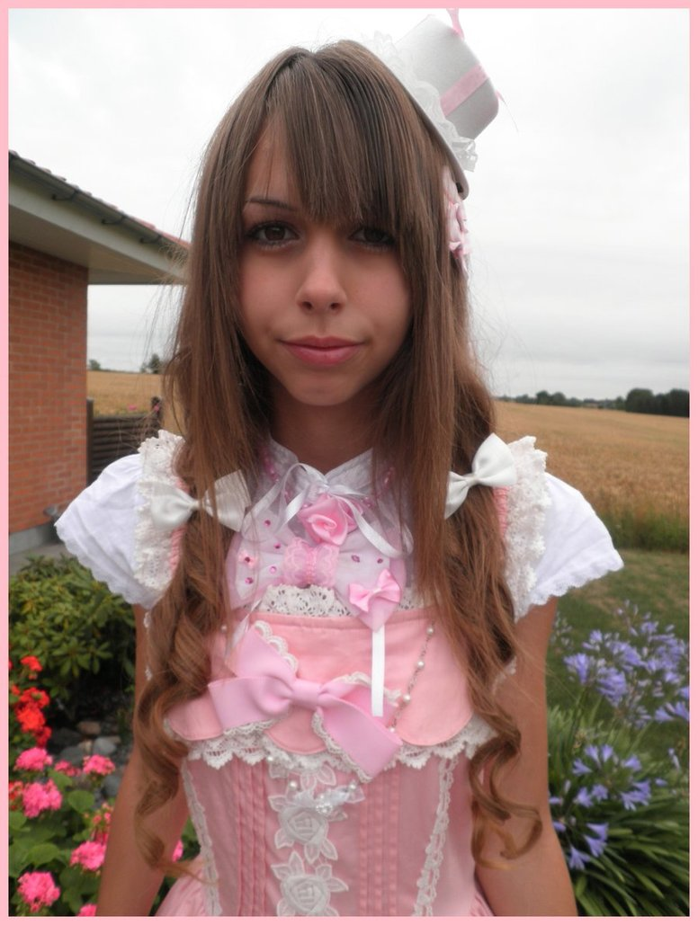 lolita dressand turn into a beautiful princess in the modern world