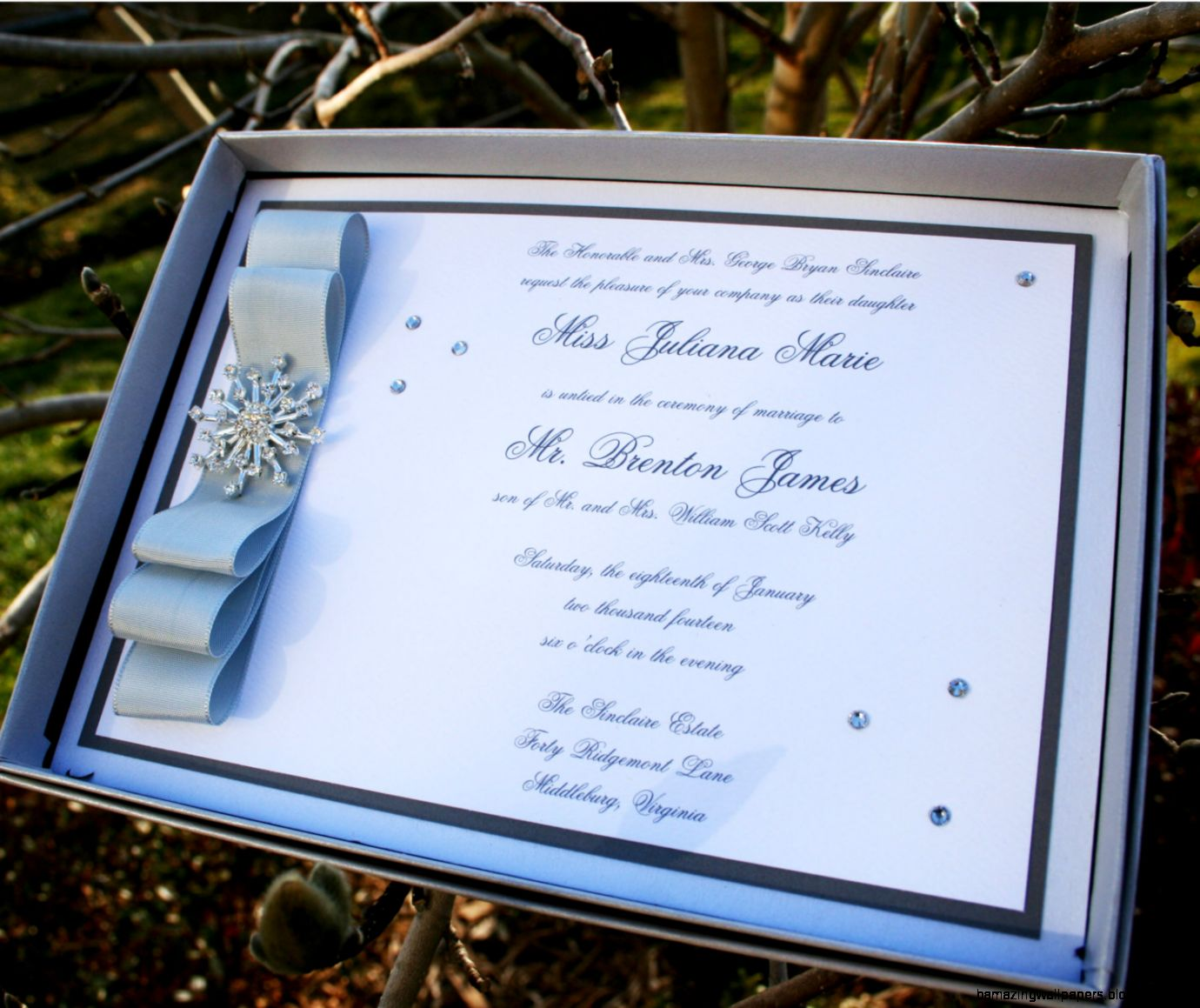 WINTER WONDERLAND Snowflake Booklet Wedding Invitation   Sample