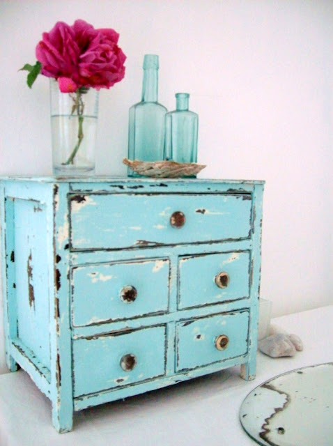 the fisherman s cottage A Turquoise Distressed Jewellery Box