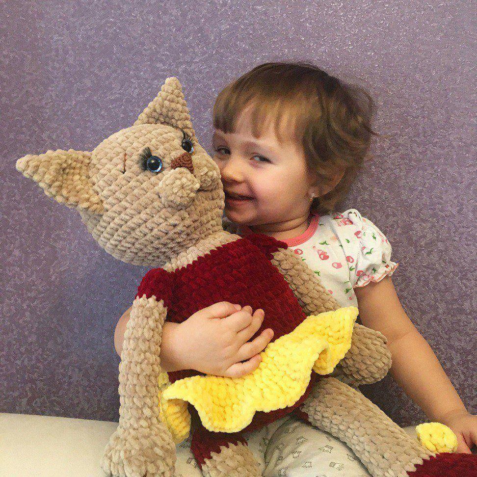 Crochet cat amigurumi toy
