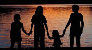 Manfaat Tujuan Bonding Kedekatan Orang Tua Dan Anak