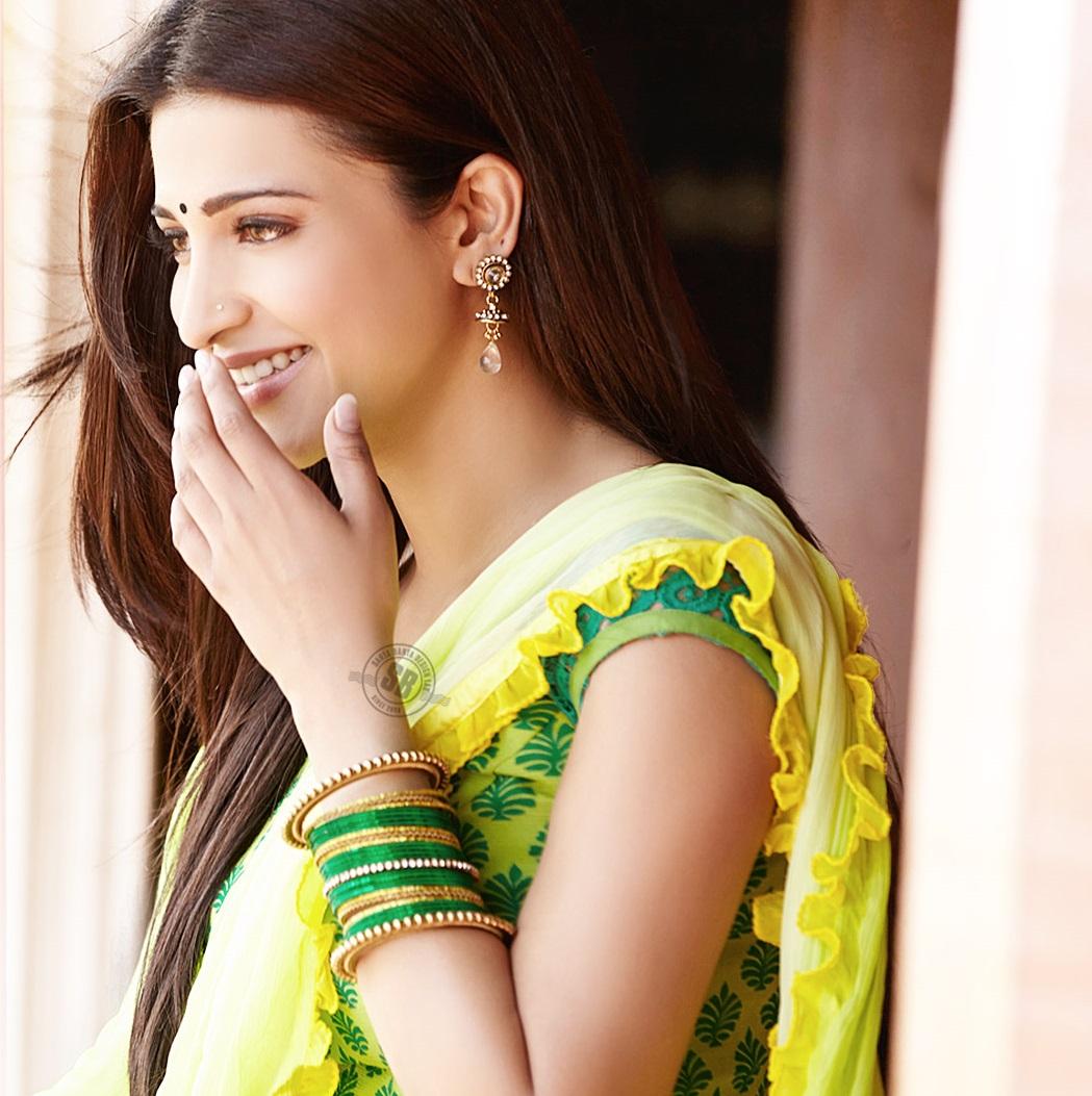 cute photos of south indian actress shruti hassan [hd collection