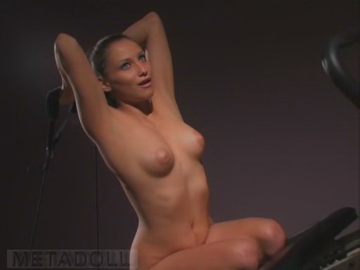 Kate Moss poses nude for Pirelli, loves reality TV