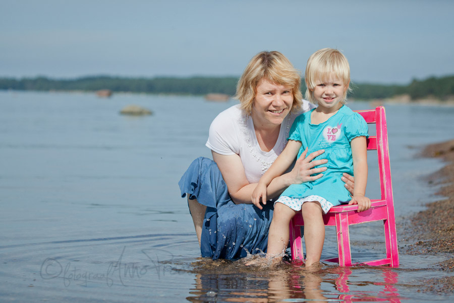 ema-tytar-laulasmaa-rannas