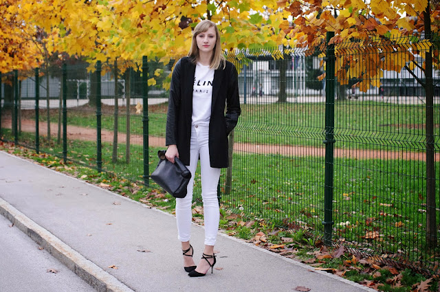 celine t shirt, celine paris, fashion trend, blogger trend, monochrome look, outfit, fall autumn look, white pants, zara leather lunchbag, asos strappy heels,