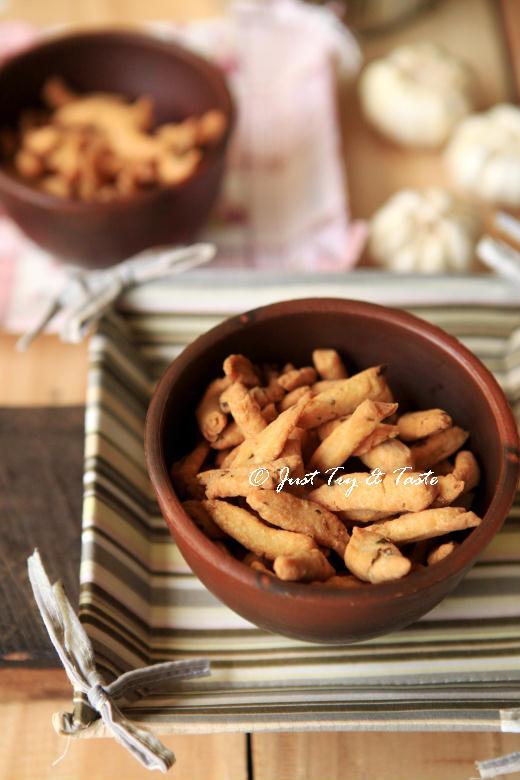 resep kue bawang yang renyah dan mudah dibuat