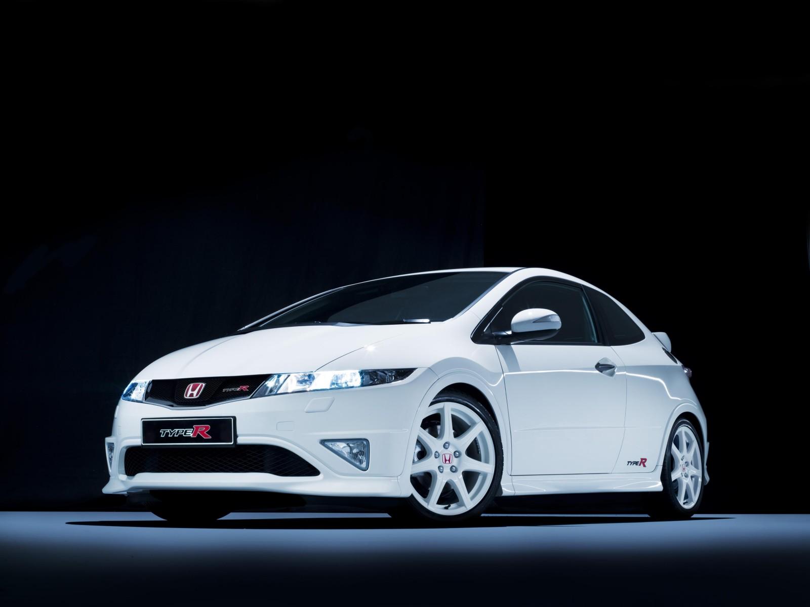 http://3.bp.blogspot.com/-ROYWTbPo5lk/Ta9C-jYjSYI/AAAAAAAAOhA/Wn96J_Bw7e8/s1600/2009-Honda-Civic-Type-R-01-1600x1200.jpg