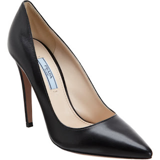 Classic Prada pumps 650$ barneys webshop black shop online