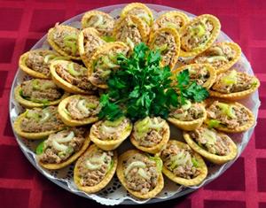 салат с тунцом в тарталетках рецепт с фото