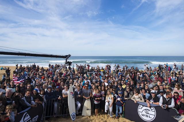 72 Crowd Roxy Pro France Foto WSL Poullenot Aquashot