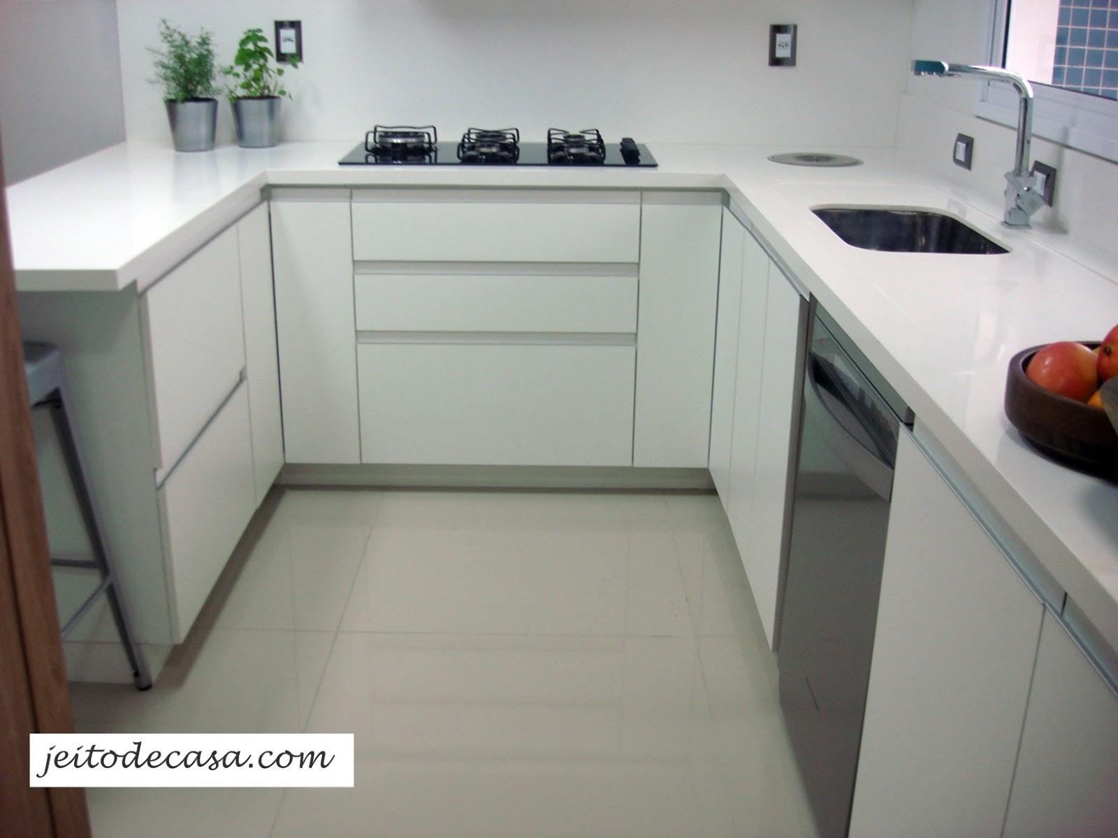 #654238 Cozinha branca de apartamento minha cozinha! Jeito de Casa Blog  1600x1200 px Como Fazer Um Projeto De Cozinha Pela Internet_3093 Imagens