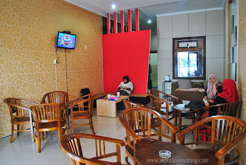 Twelve Cafe Semarang Tembalang [Closed]